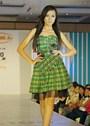 Váy ngắn cho người thấp